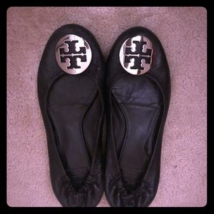 Tory Burch sz8 Black Minnie Travel Leather flats